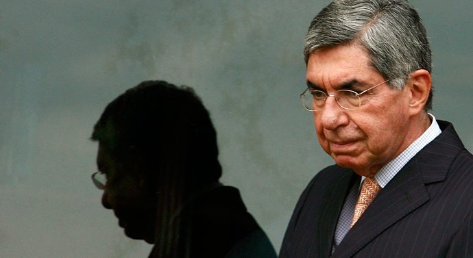 Oscar-Arias-slider